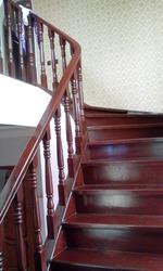 Лестницы и другие столярные изделия из массива